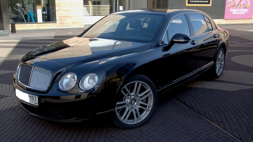 Bentley-Continental-Flying_Spur